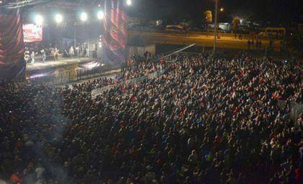Casi 10 mil personas disfrutaron del show gratuito en el Autódromo de Termas