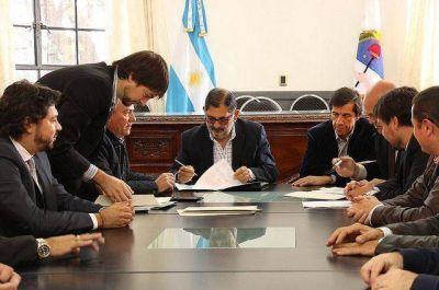 Transporte Urbano – firma de contratos de concesión a cinco empresas