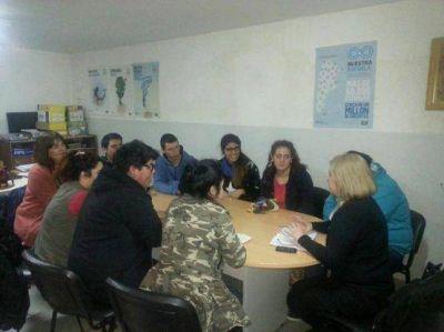 Sanchez se reunió con Centros de Estudiantes caletenses