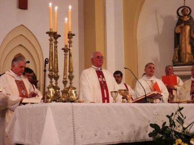 La comunidad diocesana de Nueve de Julio recibió a monseñor Torrado Mosconi