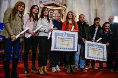 Homenaje en el Senado de la Nación a las selecciones nacionales de hockey sobre patines de mujeres y varones
