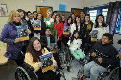 Lucía se reunió con jóvenes que trabajan por la inclusión