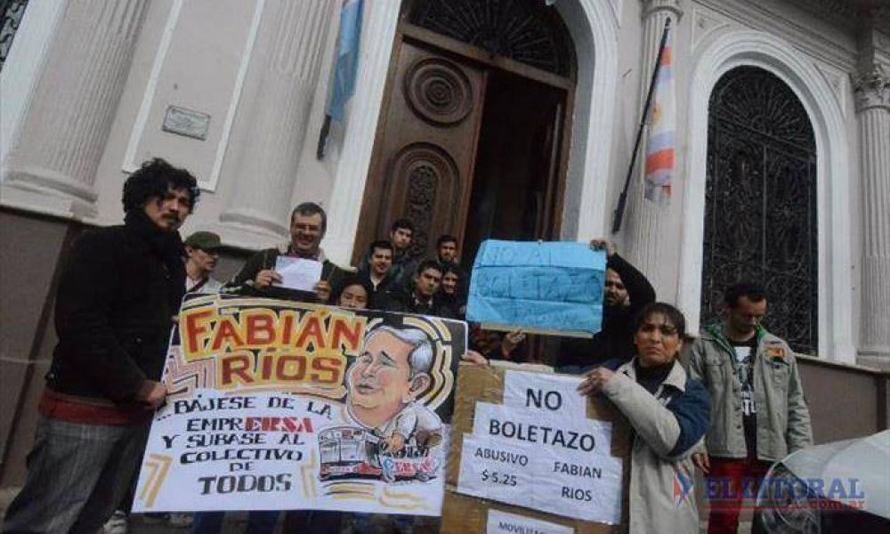 Protestaron por la suba del boleto y la Asociación de Usuarios alista judicialización
