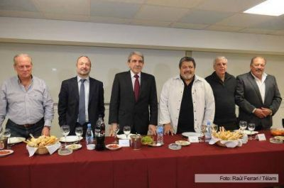 Más de 30 dirigentes sindicales apoyaron la precandidatura de Aníbal Fernández a la gobernación bonaerense