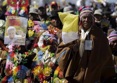 Lombardi: el Papa demuestra que se mejora empezando por los pobres