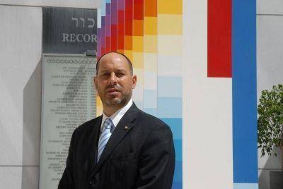 El vicepresidente Saieg y el familiar Mario Averbuch serán los oradores del acto central