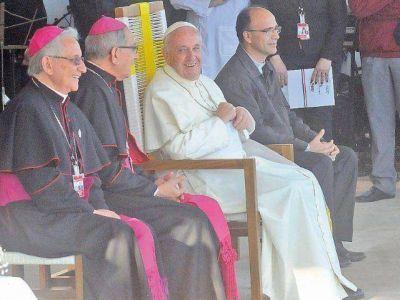 La Iglesia logra cubrir gastos de visita papal