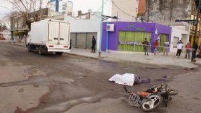 Una mujer de 63 años murió tras ser arrollada por un camión