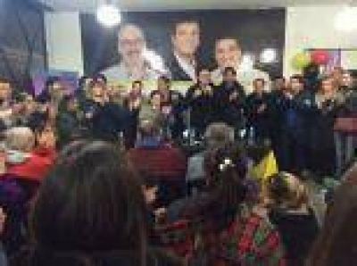 Melzi inaugur� un local del Partido Vecinal �AVP�: �Vamos a ganarle a Pablo Bruera�, dijo