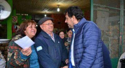 Caminata de candidatos del FpV en barrio Villa del Rosario