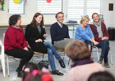 Katopodis y Marianela N��ez visitaron el Centro Juvenil 9 de Julio
