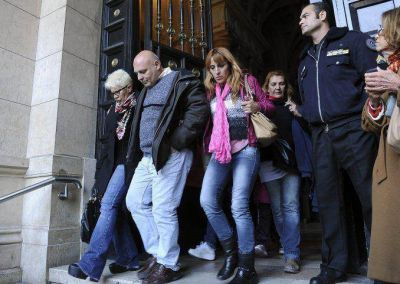 Con Mangeri condenado, ahoran van por Diana y el resto