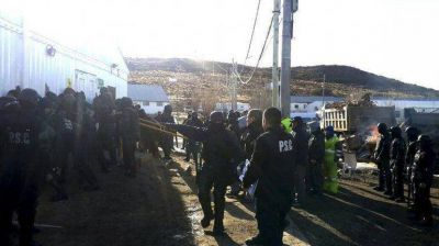 Piden excarcelación de los diez detenidos en yacimiento minero