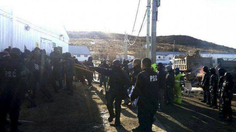 Piden excarcelaci�n de los diez detenidos en yacimiento minero