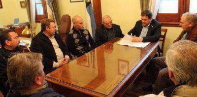 Se firmó el contrato de obra para proveer energía eléctrica a zona rural de Guardia Mitre
