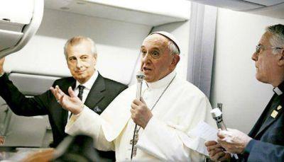 Francisco condena la concentración de medios durante su gira por Sudamérica