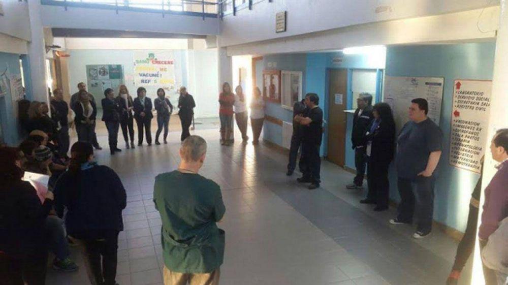 Aguinaldo: Trabajadores del hospital de Ushuaia entraron en huelga, mientras en Río Grande aguardan el cronograma