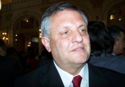 Gassenbauer anunci� que ya se traslad� a 23 de los 676 presos en comisar�as