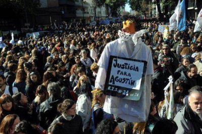 Una multitud pidió justicia para Agustín y sus maestras