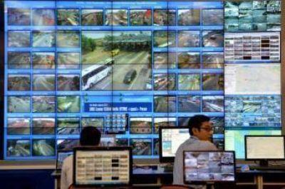 Drones y smartphones para evitar caos en carreteras el día de fin de Ramadán en Indonesia