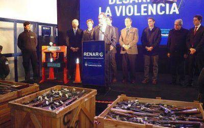 Daniel Scioli y Matías Molle destruyeron veinte mil armas