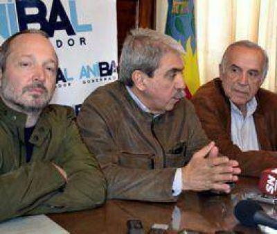 Anibal Fernández en San Nicolás: Visita y firma de convenio