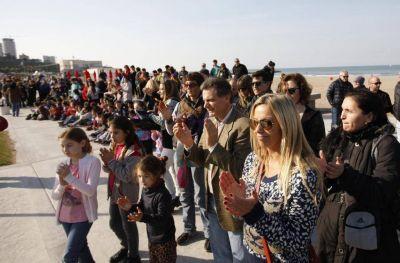 Marplatenses y turistas iniciaron las vacaciones de invierno en Playa Grande
