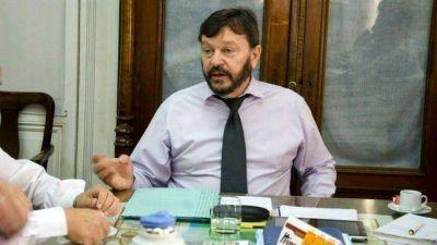 """""""La virulencia del reclamo no se condice con la actitud del gobierno provincial"""", dijo el ministro de la Producción. Dijo que los agropecuarios usan la situación para hacer política partidaria."""