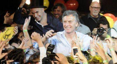 Macri prometió que YPF y Aerolíneas seguirán siendo estatales
