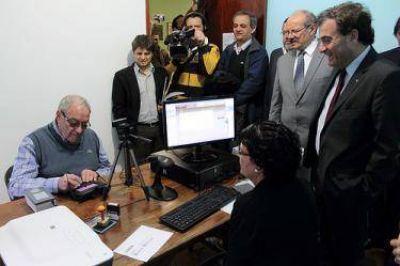 Demasi será nuevamente candidato a intendente pero por JSRN, destacando su relación con Weretilneck