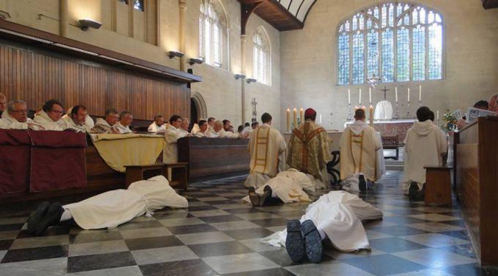 Se necesita sacerdotes: La Iglesia crece en todo el mundo y las parroquias no dan abasto
