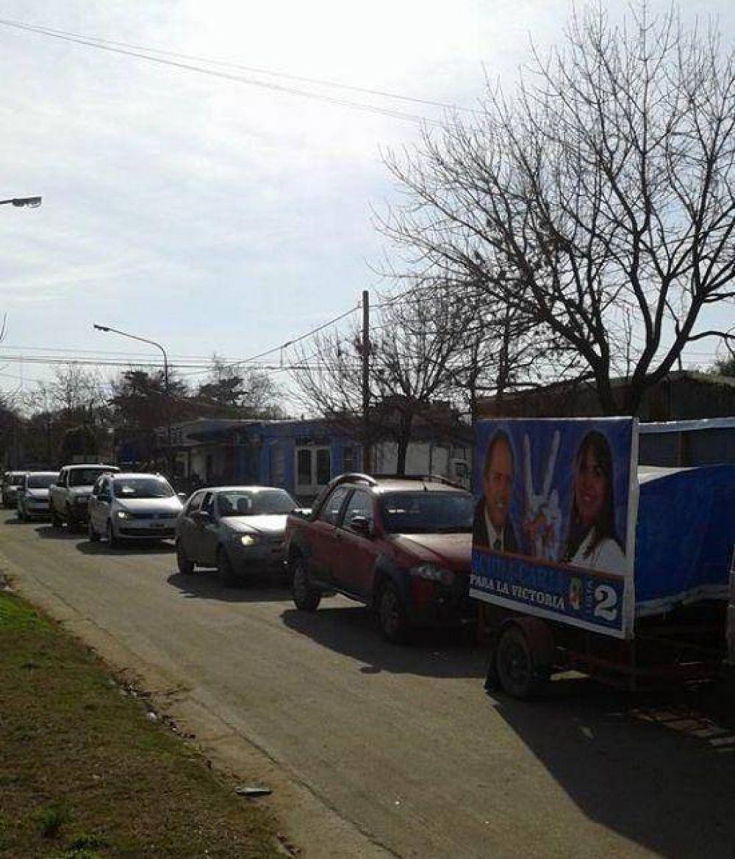 Otamendi FpV: La caravana de Alejandra Carli, llegó a la ciudad