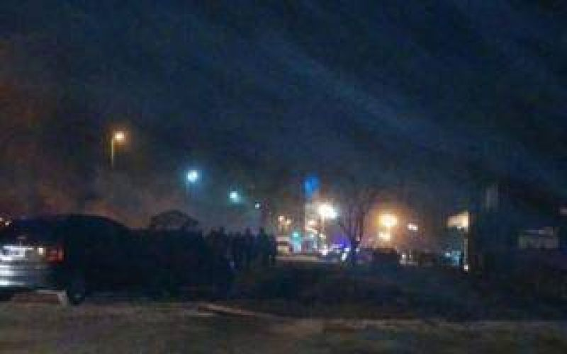 Protesta en Ezeiza tras los despidos en Cresta Roja
