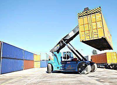 El puerto de Mar del Plata opera nuevamente con portacontenedores