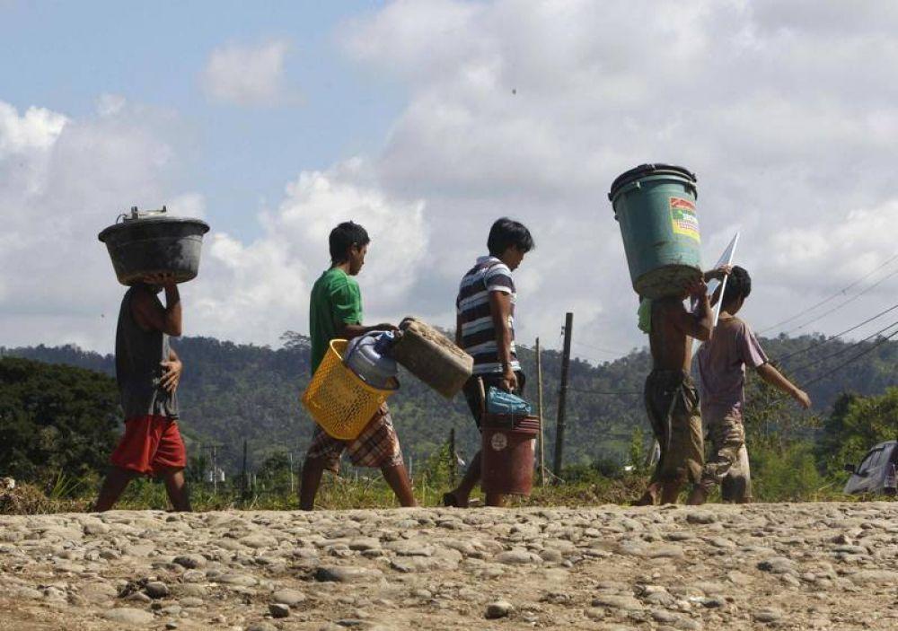 Filipinas: el sacerdote de periferia que rescata a los pobres de la basura