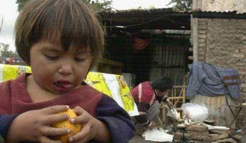 La Provincia reconoció que la pobreza ronda el 30%