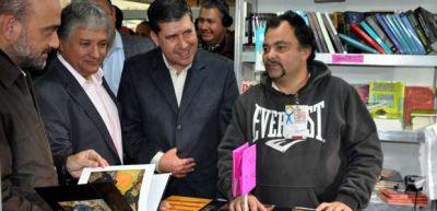 Casas y Bosetti visitaron la Feria del Libro