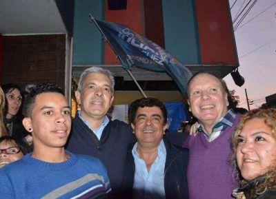 Raúl Othacehé recibió un contundente apoyo de Julián Domínguez y Fernando Espinoza en Merlo
