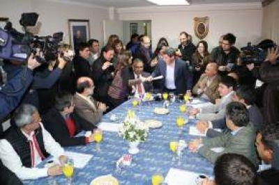 """Uñac recibió el anteproyecto de la """"Ley Provincial de Turismo"""""""