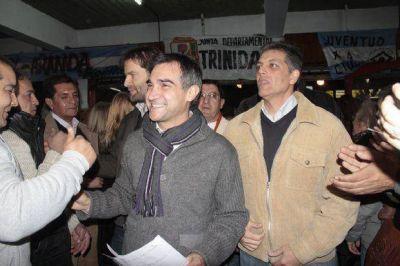Aranda inauguró su comando de campaña junto a Leonardo Gioja