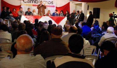 El Frente Cambiemos realizó un multitudinario encuentro de dirigentes del área metropolitana