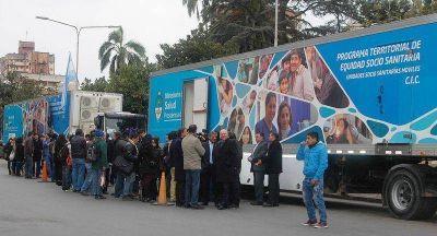 Camiones sanitarios partieron desde la Casa de Gobierno