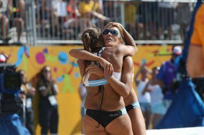 Una pareja explosiva de oro: la Argentina se subió a lo más alto en beach voley