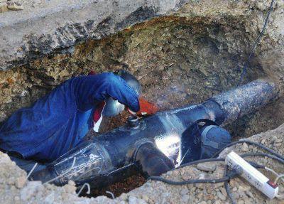 Soldaron el caño de gas y ahora falta que concluya la obra de drenaje en la Catedral