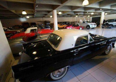 Papa móvil de Francisco ya reposa dentro del museo de Automotor SA