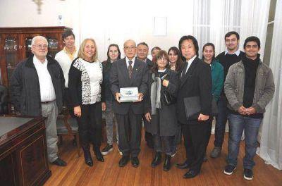 Trabajo en Residuos Sólidos Urbanos: La Intendente Giroldi recibió al voluntario japonés Akio Kashiwagi