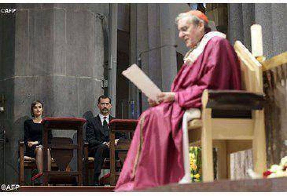"""El Arzobispo de Barcelona presentó al Papa Francisco el libro sobre la """"Pastoral de las Grandes Ciudades"""""""