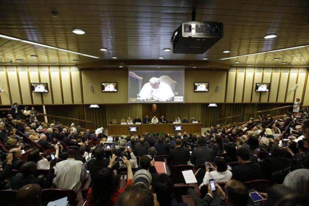 «En el cambio climático, el Papa afronta peligrosos poderes globales»