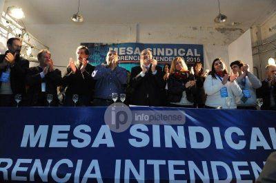 Contundente respaldo político y sindical a la candidatura de Florencia Saintout