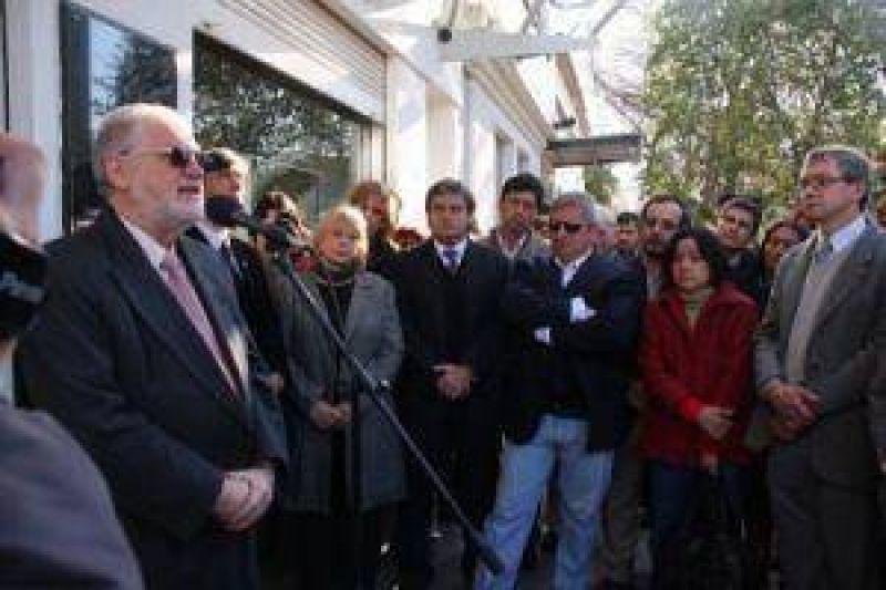 Unánime repudio y reclamo para esclarecer agresión antisemita